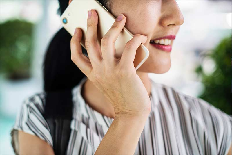 an executive on customer retention phone call